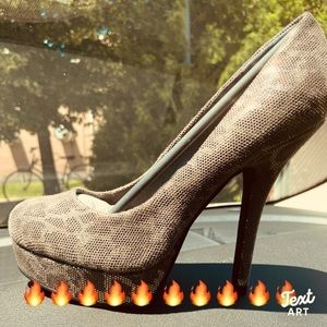 Hot 🔥🔥 stilettos 👠